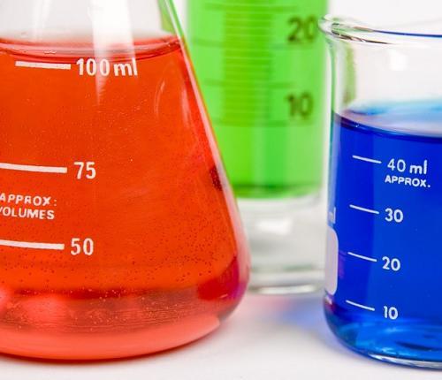 Les adolescents explorent la science